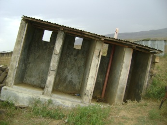 collapsed_pit_latrine_block_around_narok_kenya_5919305485